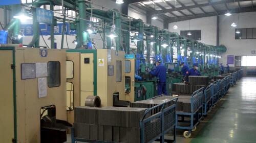 大手笔技术改造结硕果,配制自动化生产流水线成功运行