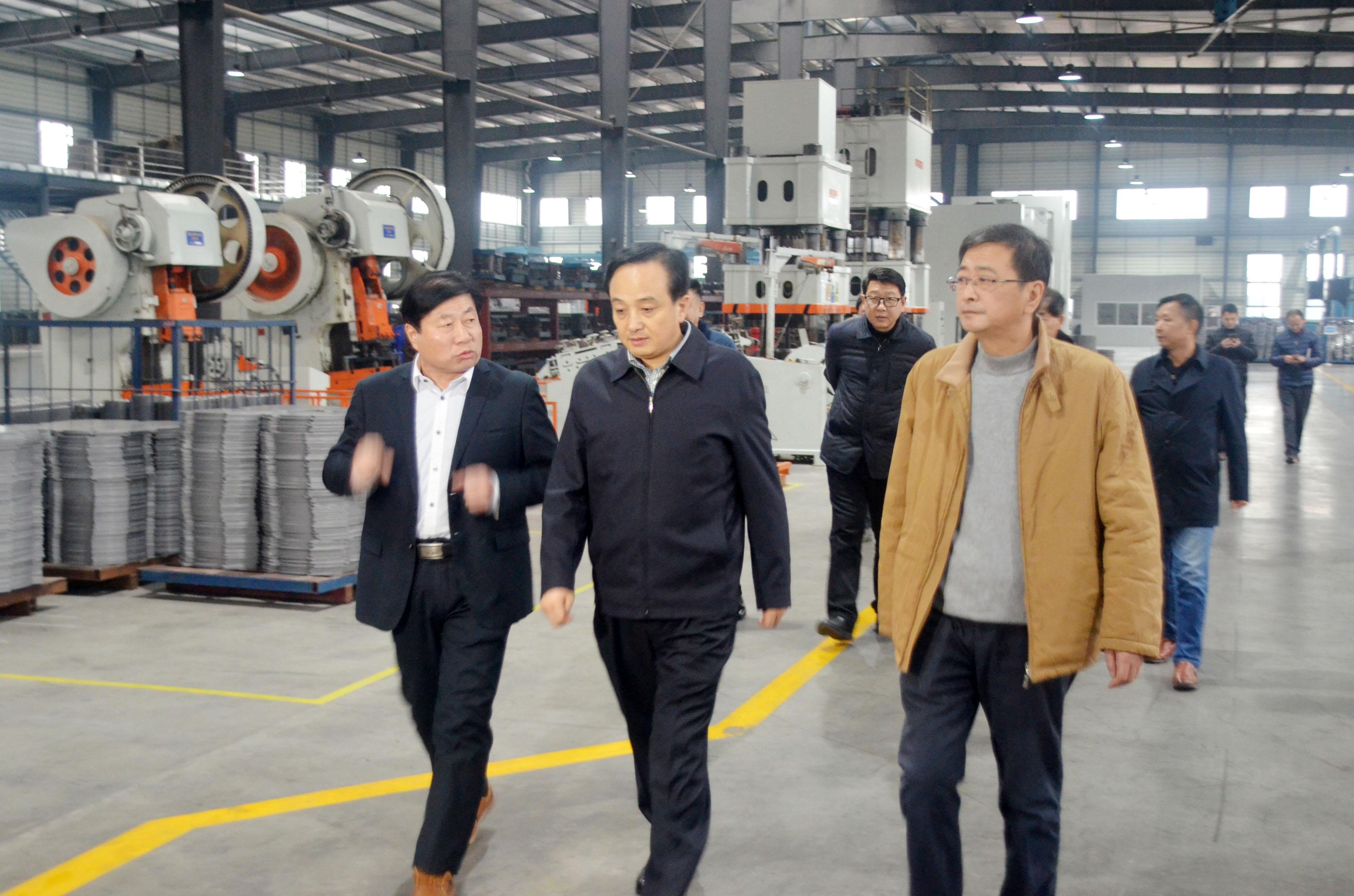 市委常委、常务副市长刘孝华莅临黄山菲英调研指导工作